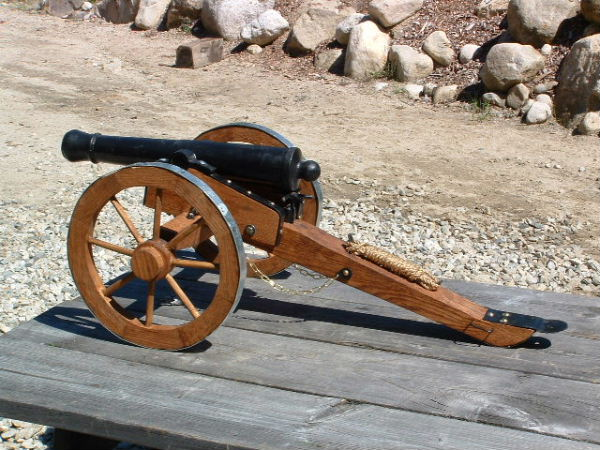 Field Cannon Carriage Plans http://greystarcannontech.homestead.com/star.html